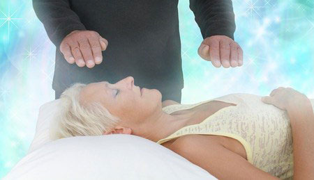 Aura Reading & chakra balancing treatment